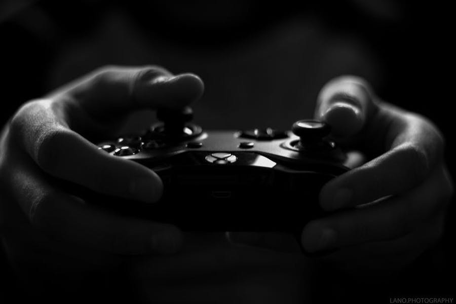 Can violent video games influence aggressive behavior in youth?