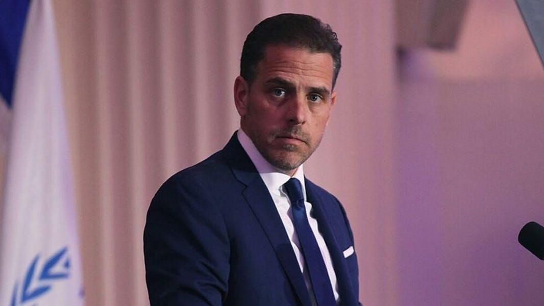 Does all mainstream media have a duty to report on Hunter Biden email scandal?