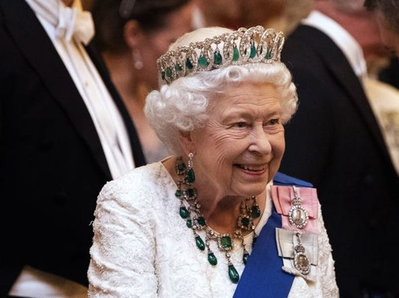 Should Queen Elizabeth step down from the throne?